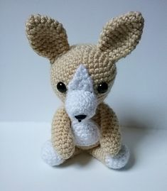 This is a very easy Amigurumi pattern for a Chihuahua.