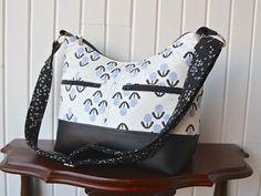 The Hosta Hobo Camera Bag - PDF Sewing Pattern – Blue Calla Patterns