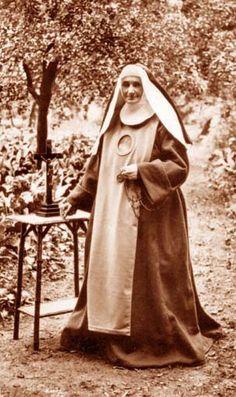 Redemptoristine Nun