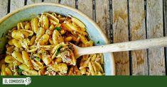 Pasta con sardinas, anchoas y ajo asado en sartén | Recetas El Comidista EL PAÍS Pasta Recipes, Cooking Recipes, What You Eat, Ratatouille, Chicken Wings, Pasta Salad, Noodles, Carrots, Meat