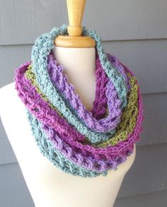PATTERN S-071 / Crochet Pattern / Sarah Infinity ... worsted