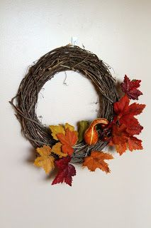 Hanelaine: Autumn Dorm Decor