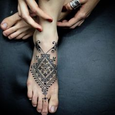 50 distinctive foot tattoos designs and ideas for women # . - 50 distinctive foot tattoos designs and ideas for women - Cute Foot Tattoos, Foot Tattoos For Women, Unique Tattoos, Leg Tattoos, Girl Tattoos, Sleeve Tattoos, Foot Tattoos Girls, Mandala Tattoo Design, Tattoo Designs
