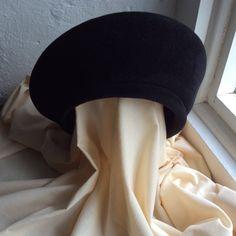 Vintage black felt structured beret The Hat Guild by coolclobber