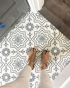 29 Wonderful Farmhouse Bathroom Tile Floor Decor Ideas And Remodel To Inspire Your Bathroom. If you are looking for Farmhouse Bathroom Tile Floor Decor Ideas And Remodel To Inspire Your Bathroom, You. Küchen Design, Tile Design, Design Ideas, House Design, Design Inspiration, Floor Design, Rustic Design, Layout Design, Pattern Design