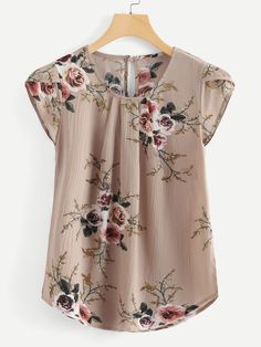 SheIn offers Petal Sleeve Floral Print Curved Hem Blouse & more to fit your fashionable needs. Floral Tops, Floral Prints, Floral Blouse, Petal Sleeve, Pleated Fabric, Pleated Shirt, Plus Size Blouses, Print And Cut, Types Of Sleeves
