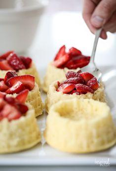 Strawberry Shortcake Dessert, Easy Strawberry Desserts, Mini Desserts, Just Desserts, Best Summer Desserts, Delicious Desserts, Yummy Food, Classic Desserts, Cupcake Cakes