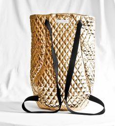 Rucksack, Tasche in gold, gesteppt // golden backpack by kaliber fashion via dawanda.com