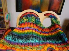 """This yarn/blanket combination is gorgeous! I really would like to get one of these S-shape Infinity/Serenity type of looms despite the fact that Im already decent at knitting with """"standard"""" needles"""