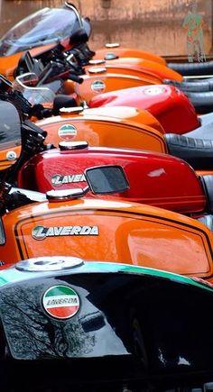 Laverda / Laverdae / Laverdas & a Ducati by -Geoff_B Vintage Bikes, Vintage Motorcycles, Cars And Motorcycles, Cafe Racer Moto, Cafe Racers, Cafe Bike, Classic Bikes, Motorcycle Bike, Classic Italian