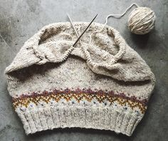 Volo pullover as comfort craft - non-creative making? Creative Workshop, How To Become, How To Make, Knitted Hats, Give It To Me, Winter Hats, Embroidery, Quilts, Sewing