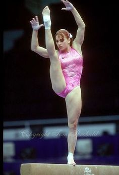 Gymnastics Flexibility, Gymnastics Poses, Amazing Gymnastics, Gymnastics Videos, Gymnastics Photography, Gymnastics Pictures, Artistic Gymnastics, Olympic Gymnastics, Gymnastics Girls