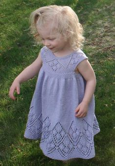 Lizzy Dress PDF pattern sock yarn newborn, 3, 6, 9, 12, 18 months in English and Italian italiano