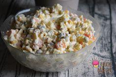 Tradycyjna sałatka jarzynowa Potato Salad, Grains, Rice, Potatoes, Ethnic Recipes, Food, Potato, Essen, Meals