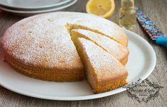 La torta all'acqua è un dolce semplice e delizioso da preparare per chi è intollerante al lattosio o alle uova e soprattutto è un dolce vegan. Perfetto, no?