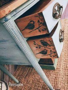 5 Smart and Simple Décor Tricks by DLB annie-sloan-chalk-painted-. - 5 Smart and Simple Décor Tricks by DLB annie-sloan-chalk-painted-furtniture, home de - Retro Home Decor, Easy Home Decor, Cheap Home Decor, Upcycled Home Decor, Refurbished Furniture, Repurposed Furniture, Furniture Makeover, Antique Furniture, Rustic Furniture