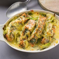 Salmon cabbage casserole- Lachs-Spitzkohl-Auflauf Fish with pointed cabbage - Salmon Recipes, Fish Recipes, Seafood Recipes, Beef Recipes, Vegetarian Recipes, Cooking Recipes, Healthy Recipes, Low Calorie Recipes Crockpot, Healthy Low Calorie Meals