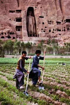 Bamiyan, Afghanistan before the destruction of the Buddhas, photo by Steve McCurry. The senseless destruction of human heritage.