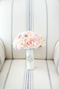 Pale Pink Bridal Bouquet With Rhinestone Brooch | photography by http://connielyu.com/