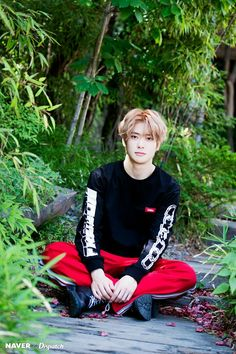 i'm tellin u he's the only model needed in the modeling industry | jung jaehyun