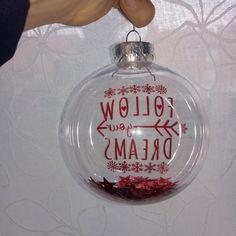 Bola transparente Follow your Dreams Dreaming Of You, Christmas Bulbs, Dreams, Holiday Decor, Home Decor, See Through, Christmas Light Bulbs, Interior Design, Home Interiors