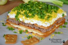 sałatka na krakersach Avocado Toast, Sandwiches, Tacos, Breakfast, Ethnic Recipes, Food, Clean Eating Meals, Salads, Morning Coffee