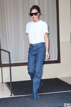 victoria beckham new york september 2017 white teeshirt blue jeans zigazig ha