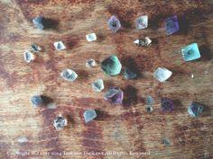 蛍石、水晶。銀河鉄道の夜の、午后の授業のシーンを思い出します。