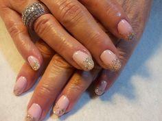 Beautiful Spring nails!!