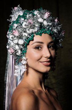 Súťaž krásy Miss Folklór Ktorá finalistka bude víťazkou? Bude, Mary Kay, Headpiece, Culture, Photo And Video, Tags, History, Wedding, Crowns