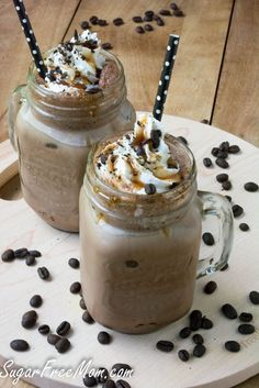 This Luscious Frozen Caramel Mocha Iced Coffee is SUGAR FREE and just 26 calories!What's better on a hot summer day than a fabulous iced coffee? Nothing better in my opinion when you're a coffee. Low Carb Drinks, Low Carb Desserts, Low Carb Recipes, Ketogenic Recipes, Easy Recipes, Healthy Recipes, Keto Coffee Recipe, Coffee Recipes, Milk Recipes