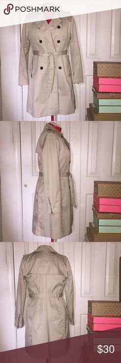 "H&M Zipper Detail Trench Coat H&M Zipper Detail Trench Coat EUC Color: Khaki Size: 12 Fabric Composition: 65% Cotton 35% Polyester  Measurements when Flat: Bust: 18"" Waist: 17"" Hip: 21"" Length: 38"" *Medium weight coat. In excellent condition and was only worn a few times. No pilling or stretching. Perfect for transitional weather. H&M Jackets & Coats Trench Coats"