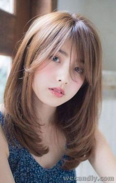 5 Easy Long Bangs Hairstyles for you in 2019 : Have A Look - Best Frisuren ideen Haircuts Straight Hair, Cute Hairstyles For Medium Hair, Long Hair With Bangs, Hairstyles With Bangs, Trendy Hairstyles, Medium Hair Styles For Women, Medium Hair Cuts, Asian Hair, Layered Hair
