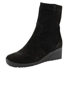 Blondo Corah, pull on boot that is 100% waterproof.