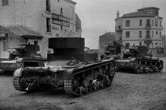 Tanques republicanos en las calles de Teruel, diciembre de 1937.