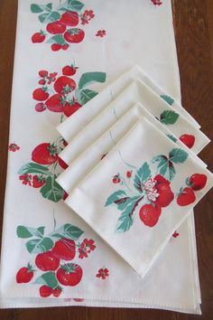 Vintage Red Strawberry Strawberries Tablecloth with 4 Matching Napkins by Wilendur - Mid Century - Summer Picnic - Vintage Linens