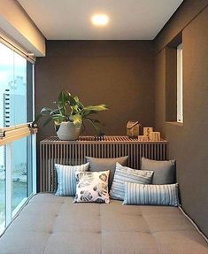 Small Balconies: 60 ideas for decorating and optimizing the space Louisa Feng - Balkon Ideen Wohnung - Balcony Furniture Design Apartment Balcony Decorating, Apartment Balconies, Porch Decorating, Decorating Ideas, Interior Design Living Room, Living Room Designs, Paz Interior, Appartement Design Studio, Balcony Furniture