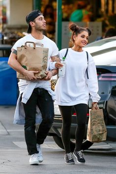Ariana Grande — who absolutely killed it as host and musical guest on Saturday Night Live last weekend — went on a grocery run with boyfriend Ricky Alvarez at Whole Foods Market in Los Angeles' Studio City nabe March 17.