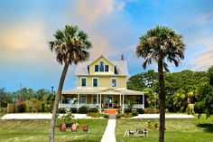 Savannah Beach Inn - Tybee Island - Stayed here for a week and it was glorious - unfortunately it is no longer in operation.  We spent almost every evening on that porch!!!