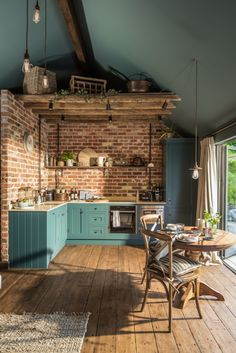 Brick walls might be a new reference in your kitchen design! The monotonous kitchen design can disrupt the mood for people who want to cook. This is not good for a room in a house. Home Kitchens, Home Interior Design, House Styles, House Design, Sweet Home, Kitchen Interior, Interior Design Kitchen, House Interior, Home Deco