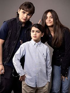 Prince, Blanket and Paris JAckson. (michael jackson's child)
