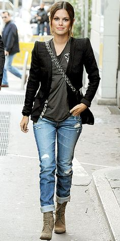 RACHEL BILSON    The denim darling makes it all about the details for her day out, dressing up her distressed boyfriend jeans with a sharp blazer and trendy accessories.