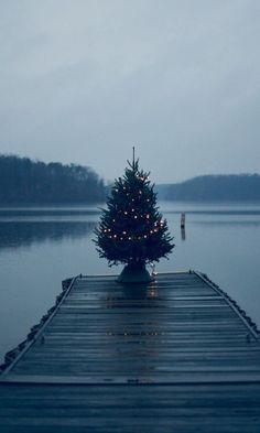Christmas on the pier | Pinpanion