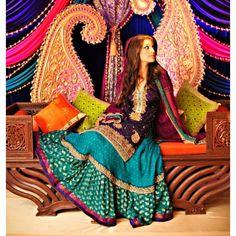 Purple and Teal Mehndi Dress (Lehenga) Pakistani Mehndi, Pakistani Bridal, Pakistani Outfits, Bridal Lehenga, Indian Bridal, Mehndi Stage, Mehndi Night, Mehndi Outfit, Mehndi Dress