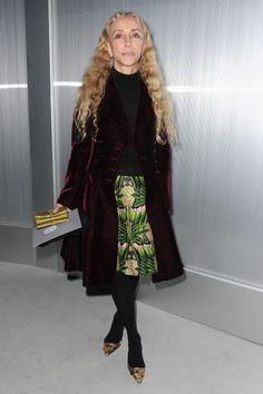 Chanel: Front Row - Paris Fashion Week H... : イタリア版『VOGUE』編集長の、フランカ・ソッツァーニの髪型を活かしたファッシ... - NAVER まとめ