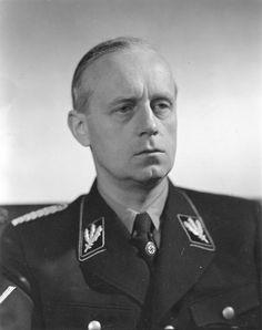 Ulrich Friedrich Wilhelm Joachim von Ribbentrop (Wesel, 30 de abril de 1893 — Nuremberga, 16 de outubro de 1946) foi um político alemão, ministro de Relações Exteriores da Alemanha Nazista entre 1938 e 1945 e uma das principais e influentes figuras do Terceiro Reich de Adolf Hitler. Foi também um dos líderes nazistas acusado de crimes contra a humanidade pelo Tribunal de Nuremberg, condenado à morte e enforcado