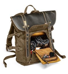 Medium Backpack For DSLR, Other Lenses, Laptop And Tripod NG A5290 - Backpacks   National Geographic