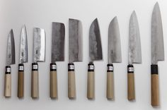 amazing, handmade japanese knives by Fujiwara san Nashiji knife Japanese Cooking Knives, Japanese Kitchen Knives, Cooks Knife, Chef Knife, Japanese Blades, Fancy Kitchens, Kitchen Cutlery, Cooking Tools, Cooking Bacon