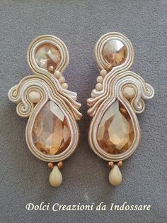 soutache earring champagne colour by DolciCreazionidiAry on Etsy Soutache Pendant, Soutache Necklace, Beaded Earrings, Statement Earrings, Beaded Jewelry, Seashell Jewelry, Bridal Jewelry, Vintage Jewelry Crafts, Handmade Jewelry