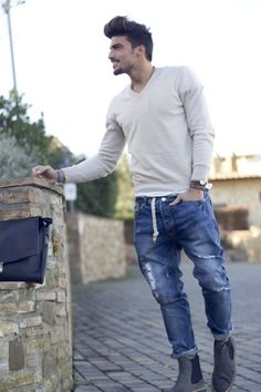 Mario di Vaio MDV Style Fefè Glamour scarf Balnco jeans Voile Blanche shoes LeTricot PG sweater NoHow rings Hand Made by some students backpack #StreetStyle